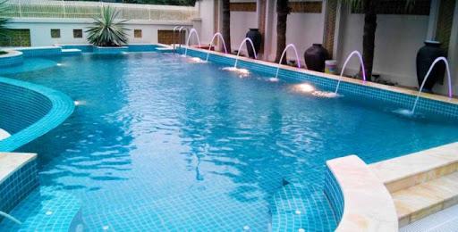 TCCA sử dụng làm sạch bể bơi